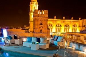 Hotel piscina lounge malaga